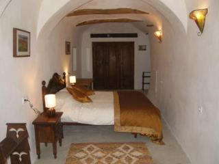 3 bedroom Cave house with Internet Access in Orce - Orce vacation rentals