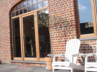 Bright 2 bedroom Ypres Bed and Breakfast with Internet Access - Ypres vacation rentals