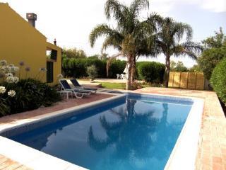 Villa Amarelo in the Algarve - Fuzeta vacation rentals