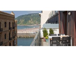 Boulevard Terrace | Design apartment with 4 terraces in the Old Town - Basque vacation rentals