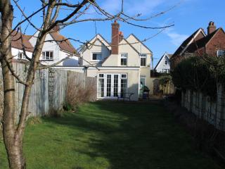 Bright 3 bedroom Bembridge House with Internet Access - Bembridge vacation rentals
