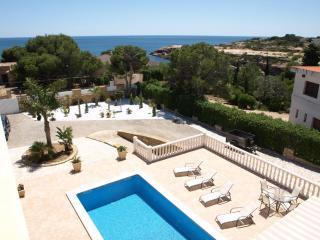 MEDITERRANEAN VIEWS, 8 Bedrooms, sleeps 18, WIFI - L'Ametlla de Mar vacation rentals