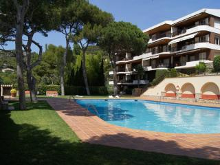 Lovely 4 bedroom Condo in Llafranc with Tennis Court - Llafranc vacation rentals