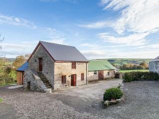 Cozy 2 bedroom Llangrannog Barn with Internet Access - Llangrannog vacation rentals