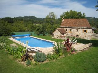 Lovely 3 bedroom Meyssac Farmhouse Barn with Internet Access - Meyssac vacation rentals