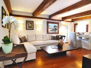 Ca' Fortuny charming apartment - Venice vacation rentals