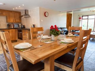2 bedroom Barn with Internet Access in Llangrannog - Llangrannog vacation rentals