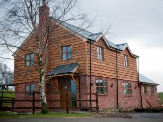 Perfect 3 bedroom Cottage in Malpas with Internet Access - Malpas vacation rentals