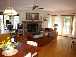 Nice House with Internet Access and Balcony - Hedgesville vacation rentals