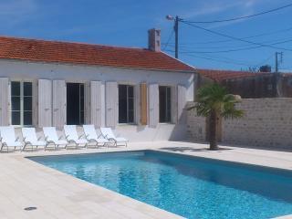 Bright 3 bedroom House in La Cotiniere - La Cotiniere vacation rentals