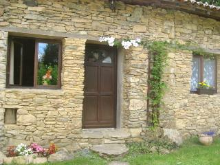 2 bedroom Cottage with Internet Access in Champagnac-la-Riviere - Champagnac-la-Riviere vacation rentals