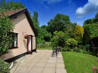 Perfect Cottage with Internet Access and Outdoor Dining Area - Saxlingham Nethergate vacation rentals