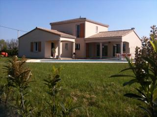 Wonderful 3 bedroom Villa in La Caillere with Internet Access - La Caillere vacation rentals