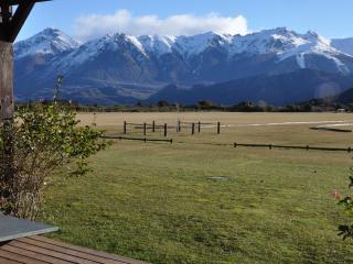 ARELAUQUEN HOUSE - San Carlos de Bariloche vacation rentals