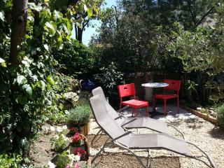 Bright Cottage with Internet Access and Wireless Internet - Pouzolles vacation rentals