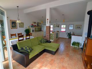 Sunny 3 bedroom Apartment in Sibenik - Sibenik vacation rentals