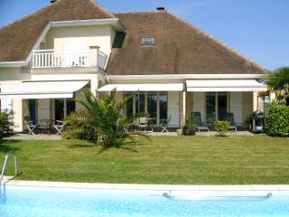 Nice Villa with Internet Access and Satellite Or Cable TV - Salies-de-Béarn vacation rentals