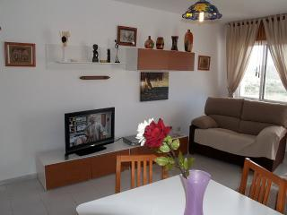 Nice Cottage with A/C and Satellite Or Cable TV - Pozo de los Frailes vacation rentals