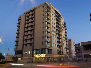 Romantic 1 bedroom Parramatta Apartment with Internet Access - Parramatta vacation rentals