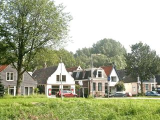 Spacious, quiet, 6 mins to center FREE parking - Amsterdam vacation rentals