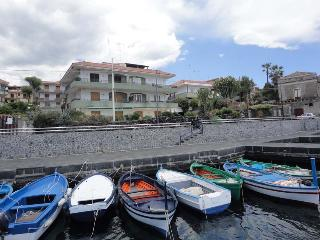 Cozy 3 bedroom Condo in Stazzo - Stazzo vacation rentals