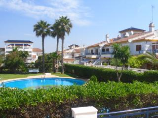 Nice Bungalow with Internet Access and A/C - Pilar de la Horadada vacation rentals