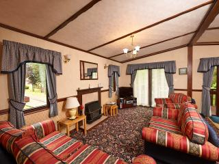 Swans Rest holiday cottages - Woodpecker Lodge - Poulton Le Fylde vacation rentals