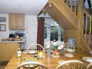 Beautiful Barn with Internet Access and Central Heating - Rookley vacation rentals