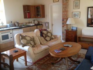 2 bedroom Cottage with Internet Access in Newbury - Newbury vacation rentals