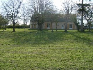 Lovely 3 bedroom Farmhouse Barn in Brecey - Brecey vacation rentals