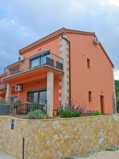 Nice 3 bedroom Villa in Slatine with Internet Access - Slatine vacation rentals