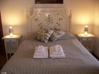 2 bedroom Chalet with Internet Access in Azenhas do Mar - Azenhas do Mar vacation rentals
