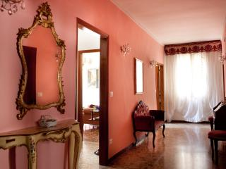 Comfortable 2 bedroom City of Venice Apartment with Internet Access - City of Venice vacation rentals