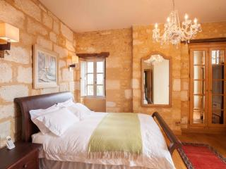 Perfect Manor house with Internet Access and Dishwasher - Saint-Cyprien vacation rentals