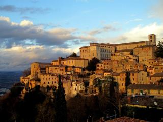 Todi, Umbria (Historic Centre) Truffle Hunting - Todi vacation rentals