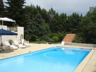 Cozy 3 bedroom Lorgues Villa with Internet Access - Lorgues vacation rentals