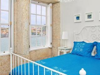 River Front - Blue Oporto Home - Porto vacation rentals