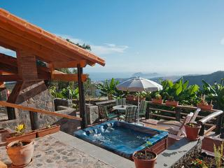 Perfect House with Parking and Hot Tub - Arucas vacation rentals