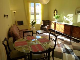 Apartment 2 34 rue du Faubourg - Prats de Mollo la Preste vacation rentals
