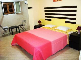 Camere ammobiliate - Barletta vacation rentals