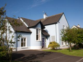 Comfortable 4 bedroom House in Portrush - Portrush vacation rentals