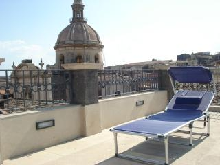 Catania holiday  penthouse . Dimora di sicilia - Catania vacation rentals