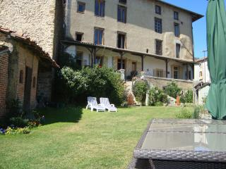 Comfortable 5 bedroom Townhouse in Rochechouart - Rochechouart vacation rentals