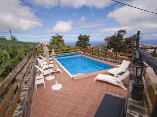 Perfect House with Shared Outdoor Pool and Television - Arucas vacation rentals