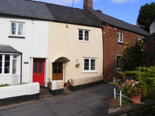 Perfect 2 bedroom Minehead Cottage with Satellite Or Cable TV - Minehead vacation rentals