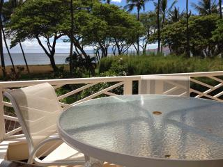 Exclusive Beachfront Cottage, Amazing Ocean Views from Private Lanai! - Kihei vacation rentals