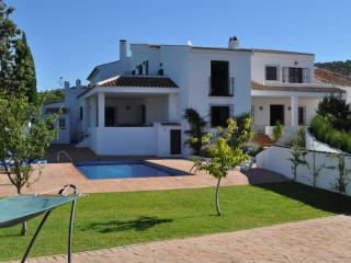 Perfect 5 bedroom Villanueva del Trabuco Villa with Internet Access - Villanueva del Trabuco vacation rentals