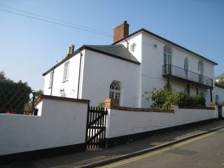 Beautiful 2 bedroom Budleigh Salterton Cottage with Internet Access - Budleigh Salterton vacation rentals