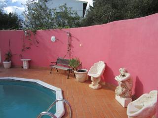 """QUINTA BOTANICA - LOVERSNEST"" - Pereiro vacation rentals"