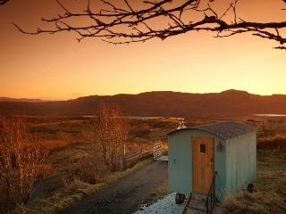 Beautiful 1 bedroom Shepherds hut in Broadford - Broadford vacation rentals